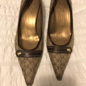 Anne Klein pointy toed heels